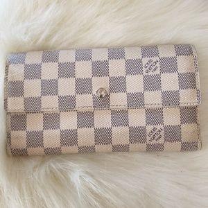 LV Azur Sarah long wallet